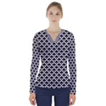 Black and white Triangles pattern, geometric V-Neck Long Sleeve Top