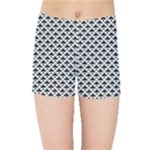 Black and white Triangles pattern, geometric Kids  Sports Shorts