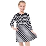 Black and white Triangles pattern, geometric Kids  Quarter Sleeve Shirt Dress