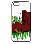 Boot in the grass Apple iPhone 5 Seamless Case (Black)