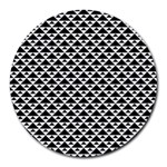 Black and white Triangles pattern, geometric Round Mousepads