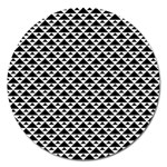 Black and white Triangles pattern, geometric Magnet 5  (Round)