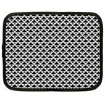 Black and white Triangles pattern, geometric Netbook Case (XXL)