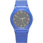 Black and white Triangles pattern, geometric Round Plastic Sport Watch (S)