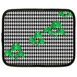 Houndstooth Leaf Netbook Case (Large)