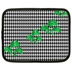 Houndstooth Leaf Netbook Case (XL)