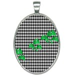 Houndstooth Leaf Oval Necklace