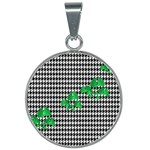 Houndstooth Leaf 25mm Round Necklace
